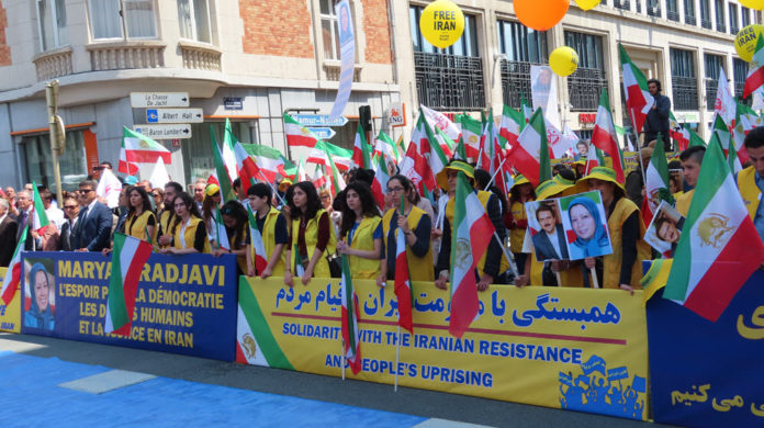 Iran Protesters Aim to Show That There Is an Alternative to Regime