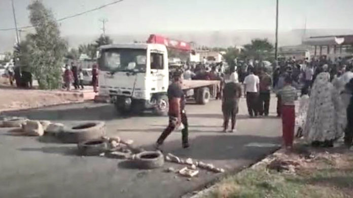 IRAN: Angry Protests Break out in Kermanshah After Officials Threaten to Cut Electricity to Those Living in Temporary Accommodation After 2017 Earthquake