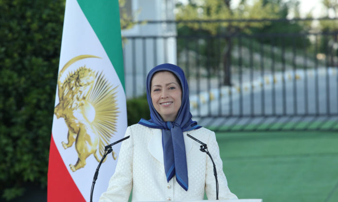 "Maryam Rajavi Says ""No to Compulsory Veiling"""