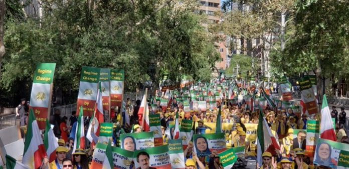 Iranians from the US, Canada, and Europe gathered in New York on Tuesday to hold a major protest rally against the presence of Iranian President Hassan Rouhani