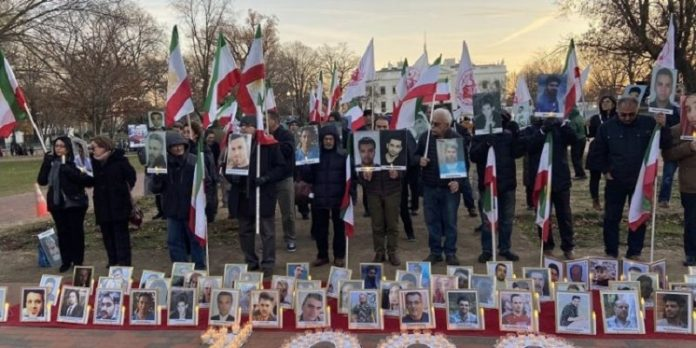 Iranians diaspora, MEK and NCRI supporters rise in support of Iran protests