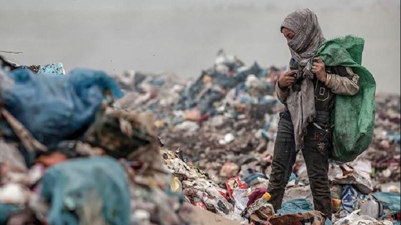 Garbage collectors increase in numbers at the peak of the Coronavirus outbreak in Iran