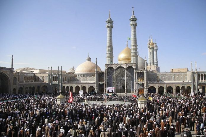 The Iranian regime paved the way for spread the coronavirus among citizens with reopening holy shrines for its economic interests