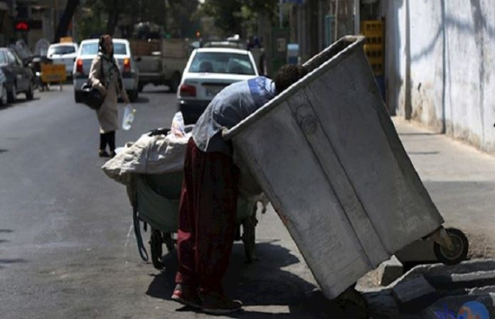 The Iranian regime's destructive policies result in the extreme poverty of the people, one of them is the garbage collectors. Sadly, most of these people are young children who are struggling to survive the deteriorating living conditions in Iran.