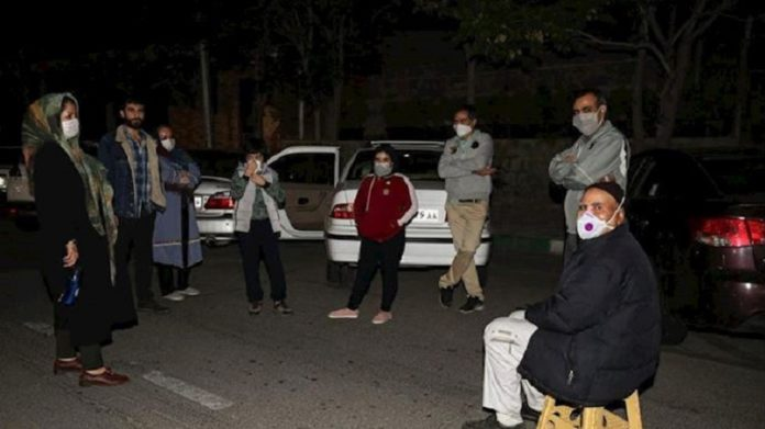 In previous earthquakes in Tehran, many residents took to the streets until dawn