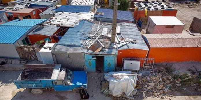 Nearly three years after the earthquake that shook the west of Iran, while many citizens of Sarpol-e-Zahab live in self-made shelters