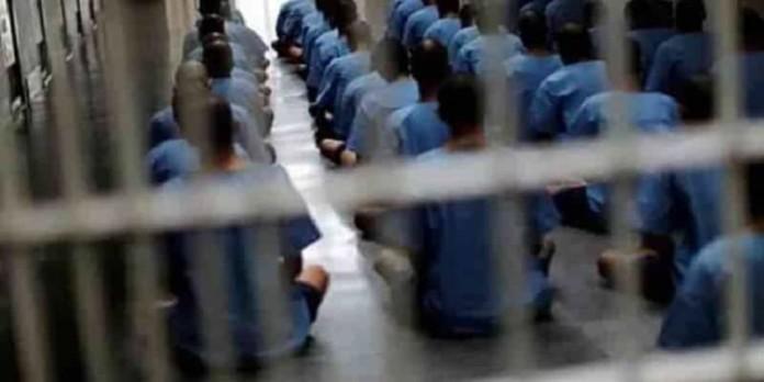Dozens of November 2019 protesters go on hunger strike in Tehran prison