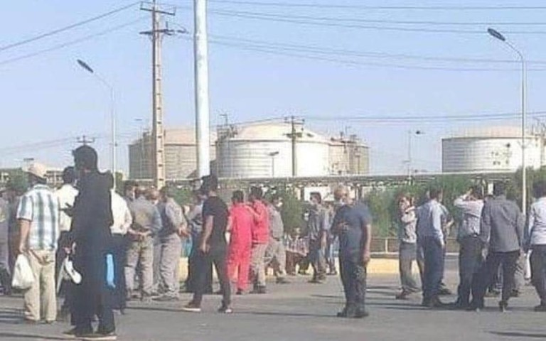 Iranian Workers Pressure Authorities to Think About Them