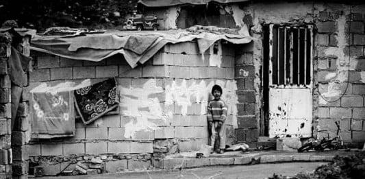 The suburbs of Shiraz have neither urban nor rural facilities, people live in extreme poverty