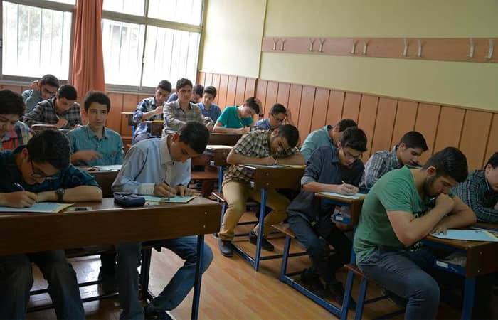 Reopening Schools Puts Millions of Iranian Students at Risk