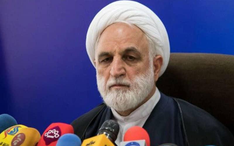 Gholam-Hossein Mohseni-Eje'i, deputi kehakiman, mantan menteri Intelijen dan Keamanan (MOIS), dan mantan juru bicara kehakiman