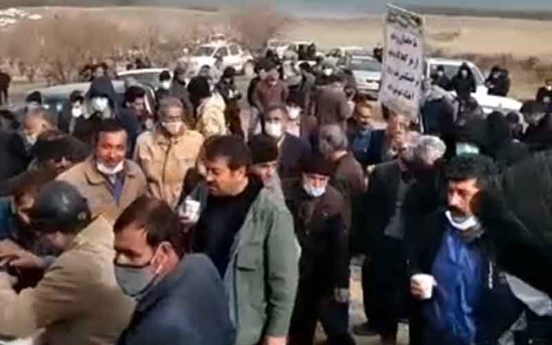 Farmers Demand End to Extracting Zayandehroud's Water