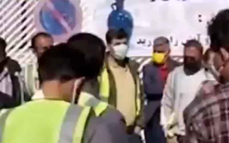 Rapat Umum Pengemudi dan Pelanggan Berat — Warga Iran melanjutkan protes pada 14 Februari