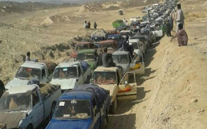 As Iranian Baluch fuel porters struggle hard to make ends meet, the IRGC intends to monopolize the gasoline trade in the border crossing areas.