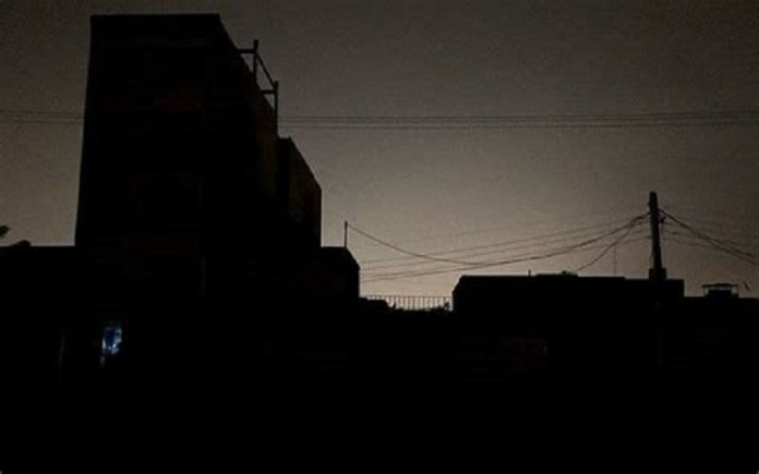 Most areas of Tehran witnessed a 2-hour power outage.