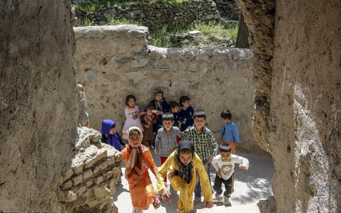Marginalized residents of Shahran neighborhood of Tehran