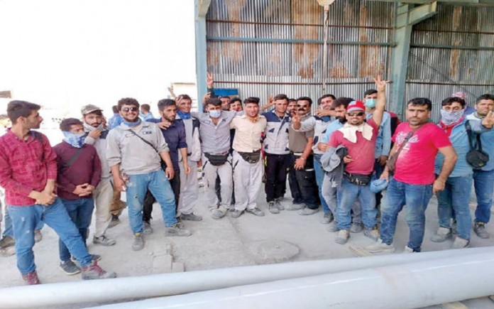 Eighth day of a massive strike by Iran's petrochemical, oil, gas, power plant, and refinery workers