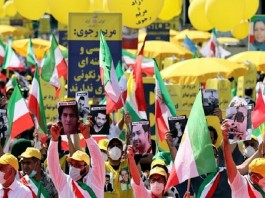 Supporters of the National Council of Resistance of Iran (NCRI) in front of the Brandenburg Gate in Berlin - Free Iran Summit 2021
