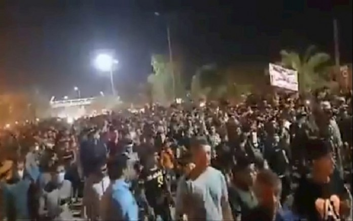 Iran's people in the southwestern Khuzestan province have protested for 10 days because of water scarcity in this province which has damaged their lives.