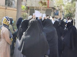 On Sunday, September 19, employed and retired teachers of Mashhad staged a protest in front of the city's General Directorate of Education.