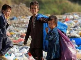 Garbage collecting children in Iran